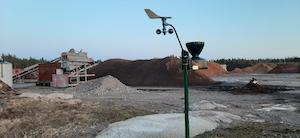 Biolanin tuotantoalue Eurassa ja Masinotekin automaatinen sääasema virtaamamittauksella varustettuna