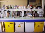 Laboratorio pöytä.
